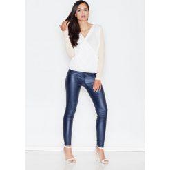 Bluzki damskie: Beżowa Elegancka Bluzka z Kopertowym Założeniem