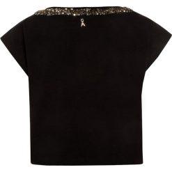 Patrizia Pepe Tshirt z nadrukiem black/grafic gold. Czarne t-shirty damskie Patrizia Pepe, z nadrukiem, z bawełny. Za 249,00 zł.