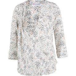 Bluzka ciążowa i do karmienia bonprix biel wełny z nadrukiem. Białe bluzki ciążowe marki bonprix, w kolorowe wzory, z wełny, biznesowe, z kopertowym dekoltem, moda ciążowa. Za 89,99 zł.
