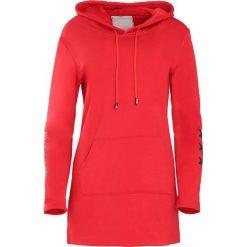 Czerwona Bluza Afro Stars. Czerwone bluzy z kapturem damskie Born2be, l. Za 89,99 zł.