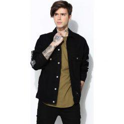 Czarna Jeansowa Koszula Shizuoka. Czarne koszule męskie jeansowe marki Born2be, l, z nadrukiem, z wykładanym kołnierzem. Za 169,99 zł.