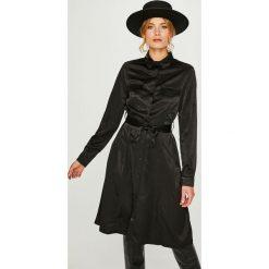 Answear - Sukienka. Szare sukienki na komunię ANSWEAR, na co dzień, m, w paski, z poliesteru, casualowe, midi, proste. W wyprzedaży za 129,90 zł.
