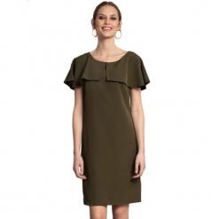 Sukienka w kolorze khaki. Brązowe sukienki na komunię marki Almatrichi, s, z dekoltem na plecach, midi, proste. W wyprzedaży za 199,95 zł.