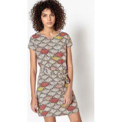 Sukienki hiszpanki: Prosta sukienka wzorzysta CALLIOPE