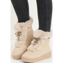 Beżowe Śniegowce Little Dev. Brązowe buty zimowe damskie marki Born2be, z materiału, z okrągłym noskiem, na platformie. Za 69,99 zł.