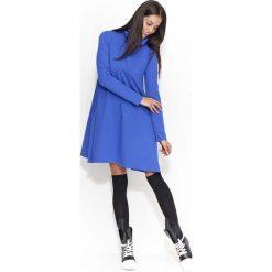 Odzież damska: Chabrowa Sukienka Trapezowa przed Kolano z Golfem