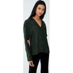 Koszula z długim rękawem w zwierzęcy wzór. Brązowe koszule damskie Pull&Bear, z motywem zwierzęcym, z długim rękawem. Za 69,90 zł.