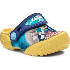 Klapki CROCS - Crocsfunlab Dory 204453 Lemon. Niebieskie klapki chłopięce marki Crocs, z tworzywa sztucznego. W wyprzedaży za 139,00 zł.