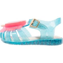 Melissa ARANHA LOLLYPOP Sandały turquoise glitter. Niebieskie sandały dziewczęce Melissa, z materiału, z otwartym noskiem. W wyprzedaży za 167,20 zł.