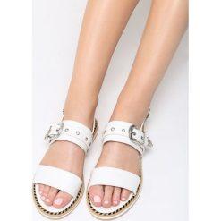 Białe Sandały Lunar Eclipse. Białe sandały damskie marki vices, na płaskiej podeszwie. Za 69,99 zł.