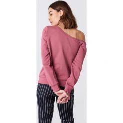 NA-KD Basic Sweter na jedno ramię - Pink. Różowe swetry klasyczne damskie marki NA-KD Basic, z bawełny. W wyprzedaży za 70,67 zł.
