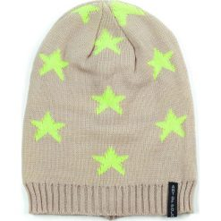 Czapka damska Gwiazdy beżowa (cz13418). Brązowe czapki zimowe damskie marki Art of Polo. Za 21,37 zł.