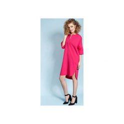 Magnetyczna koszulo-sukienka April - fuksjowa. Czerwone sukienki balowe Madnezz, l, z dzianiny, z klasycznym kołnierzykiem. Za 179,00 zł.