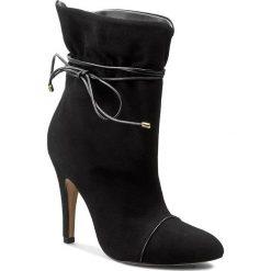 Botki KAZAR - Andrea 26824-02-00 Czarny. Białe buty zimowe damskie marki Kazar, ze skóry, na wysokim obcasie, na szpilce. W wyprzedaży za 479,00 zł.