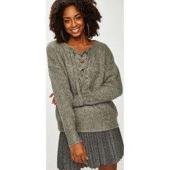 Answear - Sweter. Szare swetry klasyczne damskie marki ANSWEAR, s, z dzianiny. Za 169,90 zł.