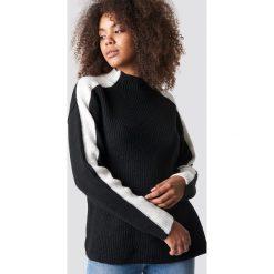 Trendyol Sweter z golfem - Black. Czarne golfy damskie Trendyol, w paski, z dzianiny. Za 121,95 zł.