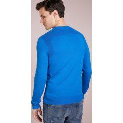 Swetry klasyczne męskie: BOSS CASUAL KOSAWIROS Sweter bright blue