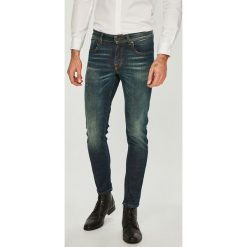 Selected - Jeansy. Niebieskie jeansy męskie regular marki House. Za 389,90 zł.