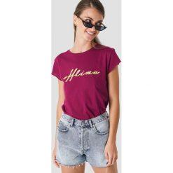 NA-KD T-shirt Offline - Purple. Fioletowe t-shirty damskie NA-KD, z nadrukiem, z okrągłym kołnierzem. Za 72,95 zł.
