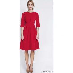 SUKIENKA Z ROZKLOSZOWANYM DOŁEM,SUK122 czerwony. Czerwone sukienki rozkloszowane Pakamera, z poliesteru, midi. Za 172,00 zł.