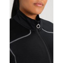 Raiski SUZU R+ JACKET Kurtka sportowa black. Czarne kurtki sportowe damskie Raiski, z elastanu. W wyprzedaży za 174,30 zł.