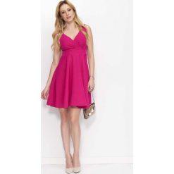 Sukienki: Fuksja Sukienka Rozkloszowana z Kopertowym Dekoltem