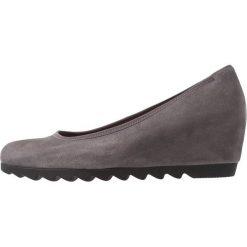 Gabor Czółenka na koturnie dark grey. Szare buty ślubne damskie Gabor, z materiału, na koturnie. Za 419,00 zł.
