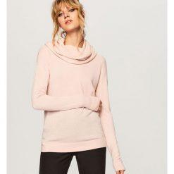 Sweter z luźnym golfem - Różowy. Czerwone golfy damskie Reserved, l. Za 119,99 zł.