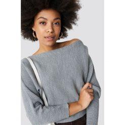 Trendyol Sweter z odkrytymi ramionami - Grey. Szare swetry klasyczne damskie marki Vila, l, z bawełny, z okrągłym kołnierzem. Za 80,95 zł.