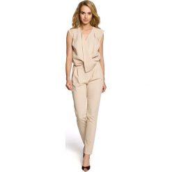 Odzież damska: Beżowy Elegancki Kombinezon z Kopertowym Założeniem bez Rękawów
