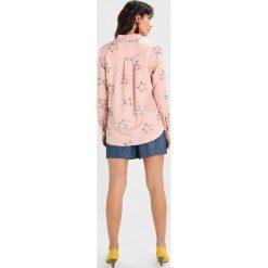 Koszule wiązane damskie: Karen by Simonsen SPELL  Koszula misty rose