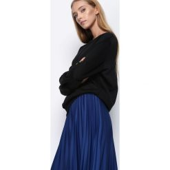 Czarna Bluza Knowing Me. Czarne bluzy damskie Born2be, l, z dresówki. Za 44,99 zł.