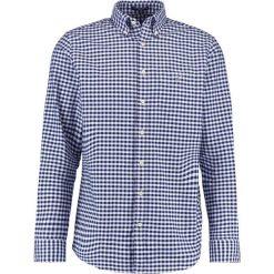 GANT THE OXFORD GINGHAM Koszula persian blue. Niebieskie koszule męskie GANT, m, z bawełny. Za 379,00 zł.