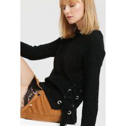 Czarny Sweter Safe Me. Czarne swetry klasyczne damskie marki other, na jesień, uniwersalny. Za 59,99 zł.