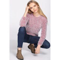 Czerwony Sweter Subsistence. Czerwone swetry klasyczne damskie Born2be, na jesień, l. Za 39,99 zł.