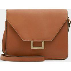 Torebki klasyczne damskie: Brązowa torebka na ramię z metalową ozdobą