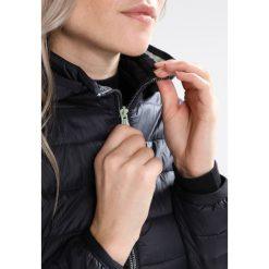 CMP WOMAN ZIP HOOD JACKET Kurtka Outdoor antracite. Czerwone kurtki damskie turystyczne marki CMP, z materiału. W wyprzedaży za 377,10 zł.