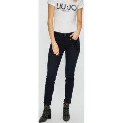 Liu Jo - Jeansy Divine. Niebieskie jeansy damskie marki Liu Jo, z bawełny. Za 749,90 zł.