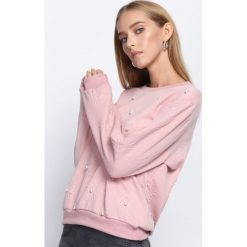 Różowa Bluza One Pearl. Czerwone bluzy sportowe damskie Born2be, xl, z dresówki. Za 44,99 zł.