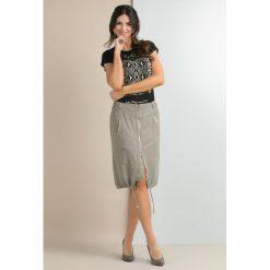 Odzież damska: Spódnica w stylu casual