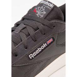 Reebok Classic NPC UK PFR Tenisówki i Trampki coal/chalk. Białe tenisówki damskie marki Reebok Classic. W wyprzedaży za 258,30 zł.