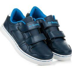 Granatowe chłopięce trampki ISABELLE. Szare buty sportowe chłopięce AX BOXING, sportowe. Za 72,90 zł.