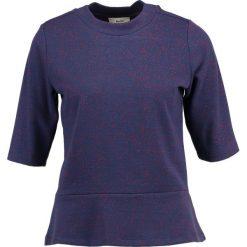 T-shirty damskie: Mads Nørgaard BILLIE Tshirt z nadrukiem blue/red