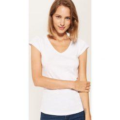 T-shirt basic - Biały. Szare t-shirty damskie marki Reserved, l. Za 19,99 zł.