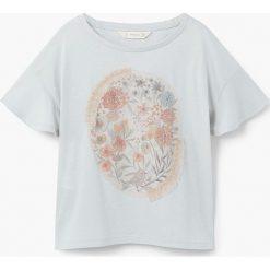 Mango Kids - Top dziecięcy Lorena 110-164 cm. Szare bluzki dziewczęce bawełniane Mango Kids, z aplikacjami, z okrągłym kołnierzem. W wyprzedaży za 29,90 zł.