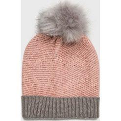Vero Moda - Czapka Bera. Różowe czapki damskie Vero Moda, na zimę, z dzianiny. W wyprzedaży za 49,90 zł.