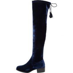 Madden Girl PRISLEY Muszkieterki navy. Niebieskie buty zimowe damskie Madden Girl, z materiału. W wyprzedaży za 209,50 zł.
