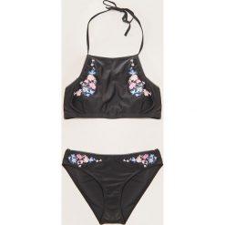 Bikini: Dwuczęściowy strój kąpielowy z haftem - Czarny