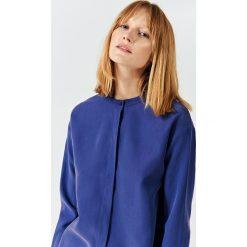 Simple - Koszula. Niebieskie koszule damskie marki Simple, z poliesteru, ze stójką, z długim rękawem. W wyprzedaży za 239,90 zł.