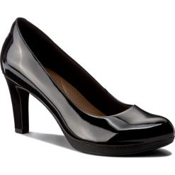 Półbuty CLARKS - Adriel Viola 261293604 Black Patent. Czarne creepersy damskie Clarks, z materiału, eleganckie, na obcasie. Za 329,00 zł.